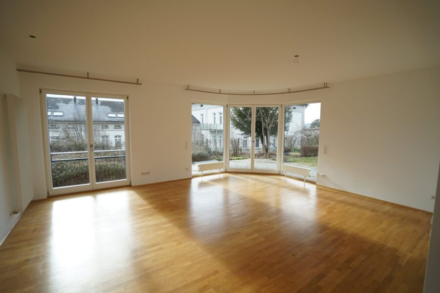 !VERMIETET! Großzügige Erdgeschoss-Wohnung mit Terrasse und Gartenanteil 89075 Ulm, Erdgeschosswohnung