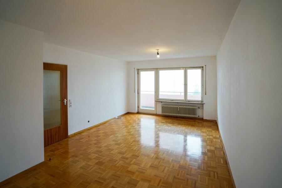 RESERVIERT! Gemütliche 2-Zimmer Wohnung mit großen Balkon als Kapitalanlage oder Selbstnutzung 89233 Neu-Ulm, Etagenwohnung